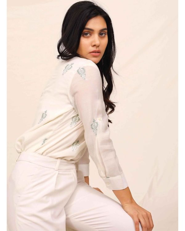 White moroccan embroidered shirt 3