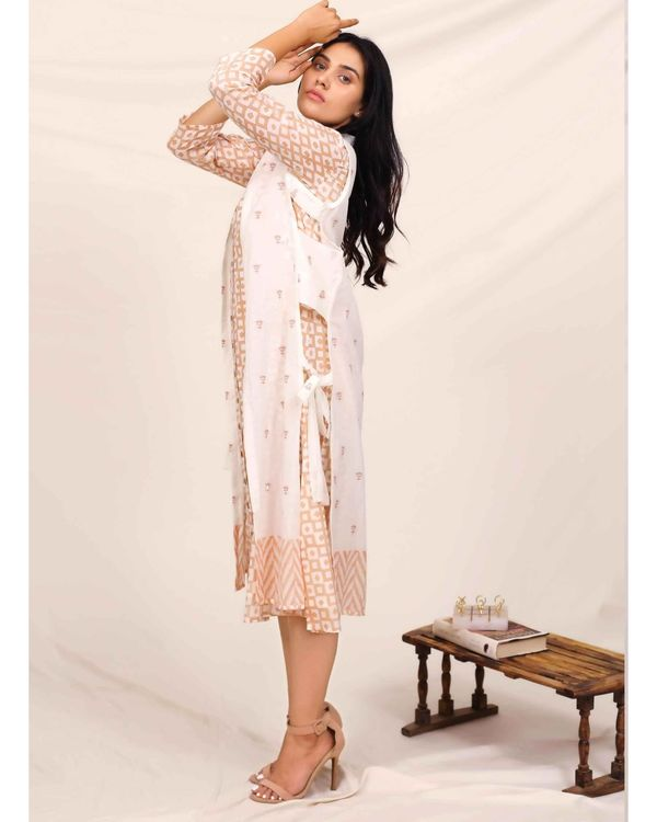 Peach geometric button down dress with embroidered jacket - Set Of Two 2