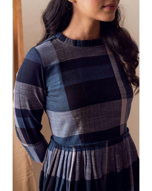 Blue checkered pleated maxi dress 1
