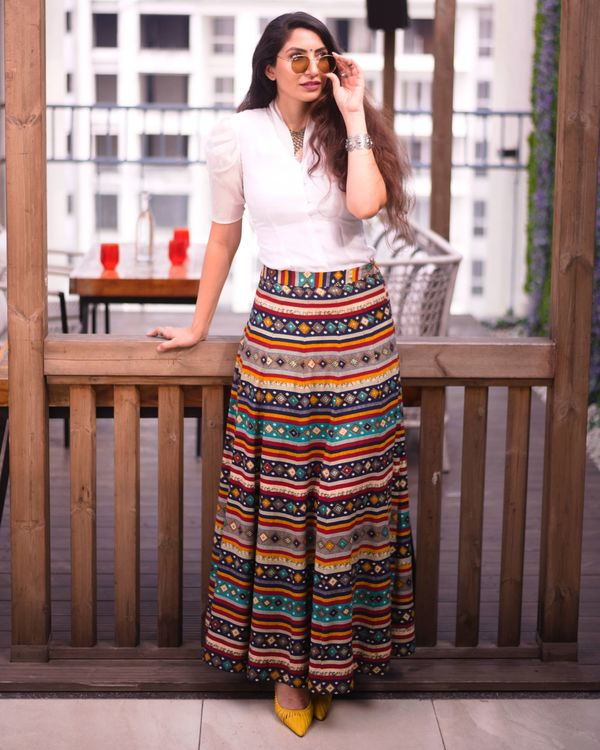 Multi color skirt with white organza top - set of two 1
