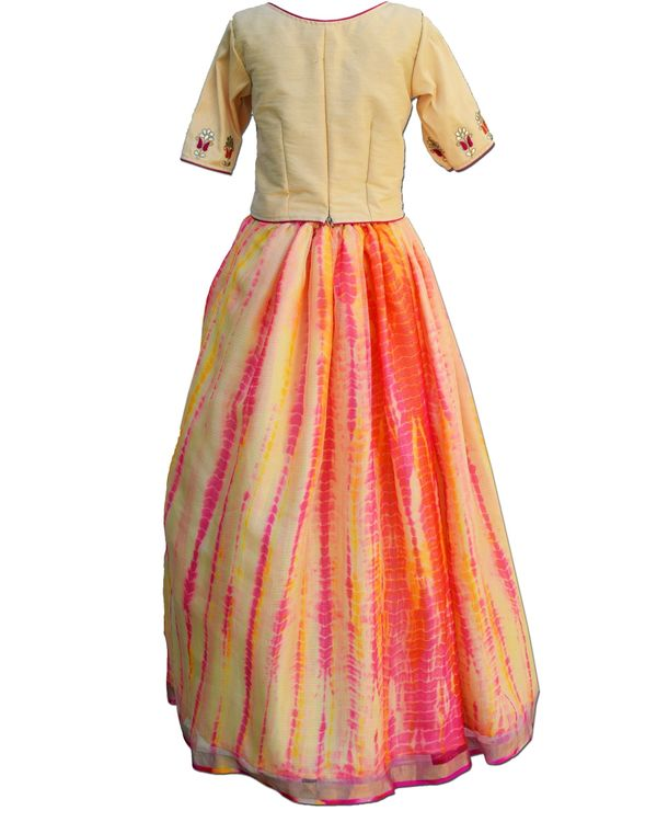 Pastel yellow floral gota top with tie and dye skirt - Set Of Two 2