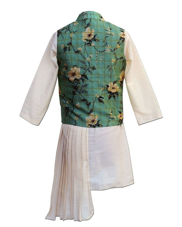 Green floral printed jacket with asymmetrical pleated kurta and pants - Set Of Three 2
