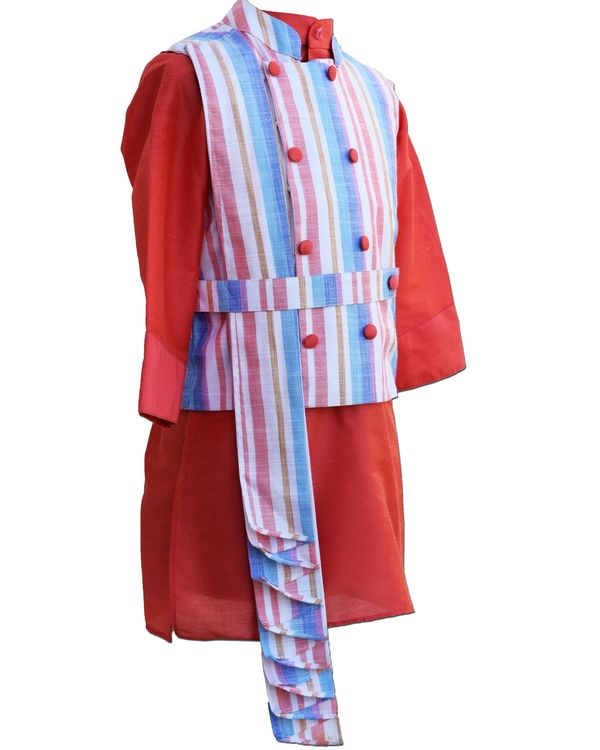 Striped pleated jacket with coral kurta and pants - Set Of Three 2