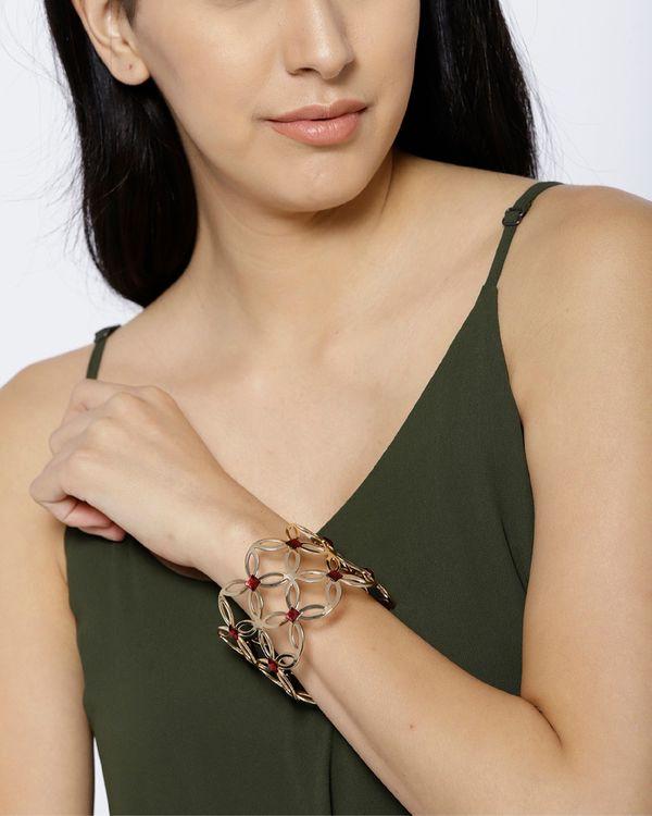 Petal motif cuff bracelet 2