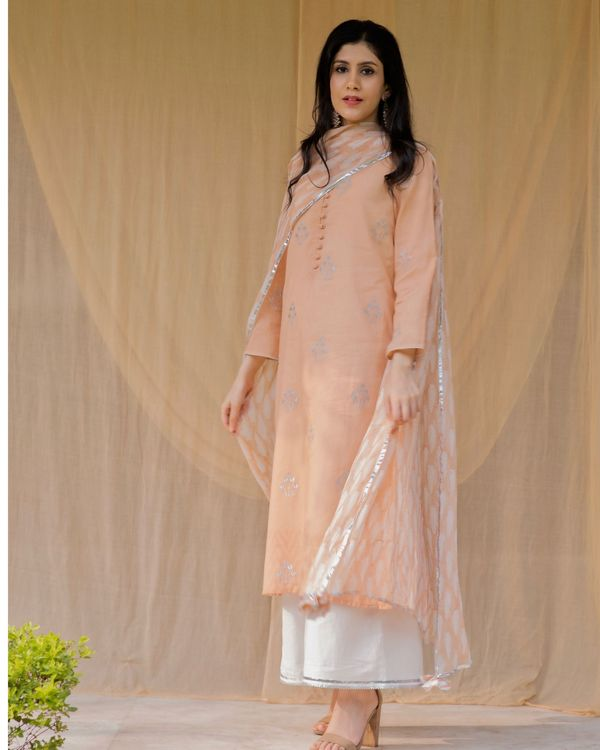 Peach embroidered kurta and palazzo with inner and dupatta - Set Of Four 3