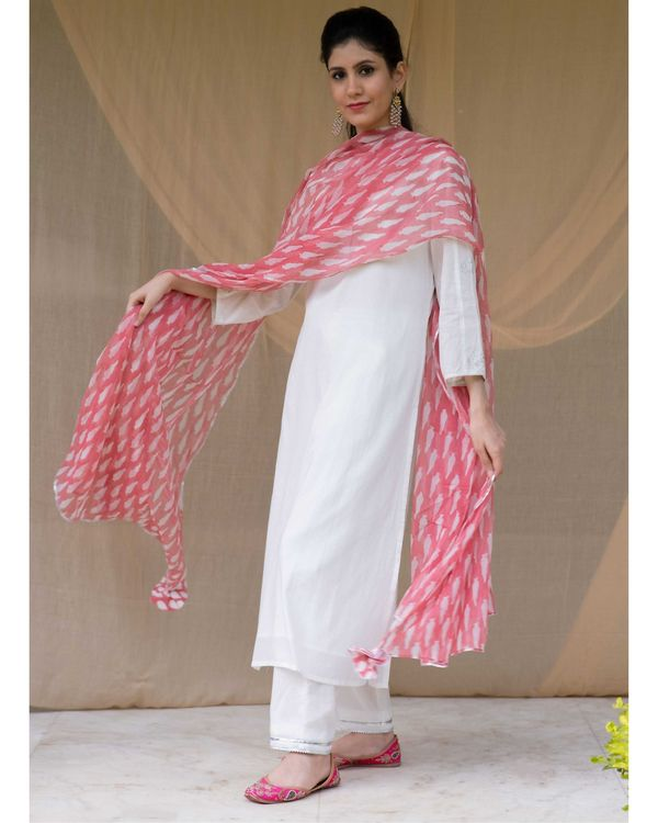 White embroidered kurta and gota pants with red dupatta - Set Of Three 2