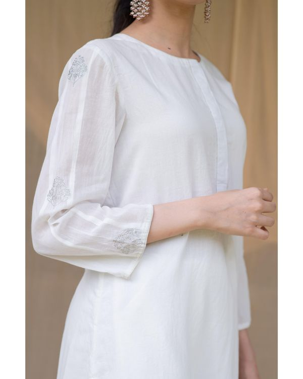 White embroidered kurta and gota pants - Set Of Two 1