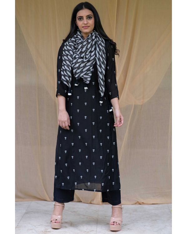 Black embroidered kurta and pants with printed stole - Set Of Three 3