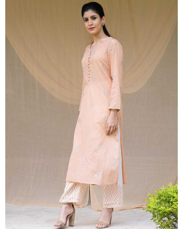 Peach embroidered kurta and chevron pants with printed stole - Set Of Three 2