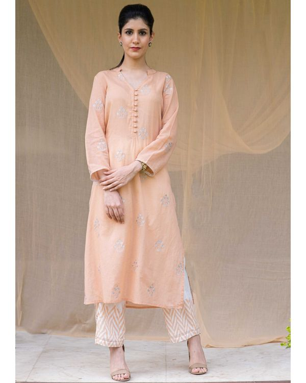 Peach embroidered kurta and chevron pants with printed stole - Set Of Three 1