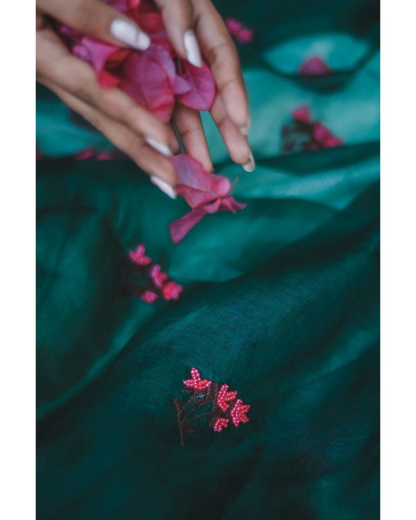 Emerald green bead embroidered organza dupatta 1