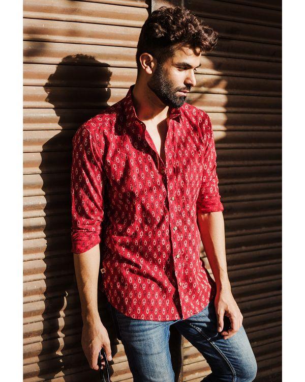 Red fish printed shirt 2