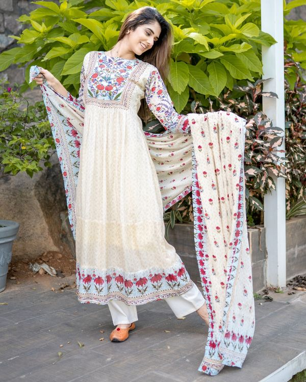 Beige floral printed yoke kurta and dupatta - Set Of Two 5