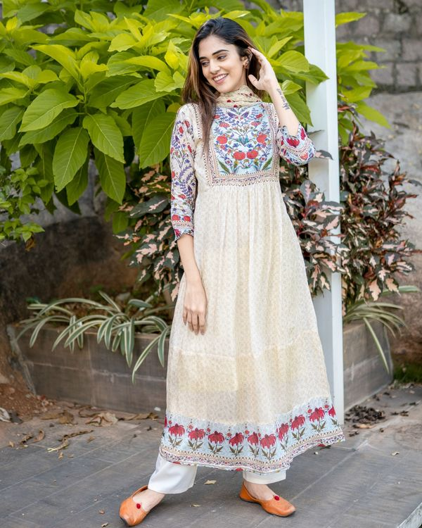 Beige floral printed yoke kurta and dupatta - Set Of Two 4