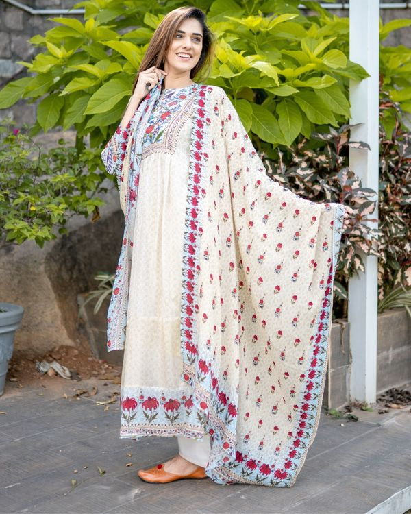 Beige floral printed yoke kurta and dupatta - Set Of Two 3