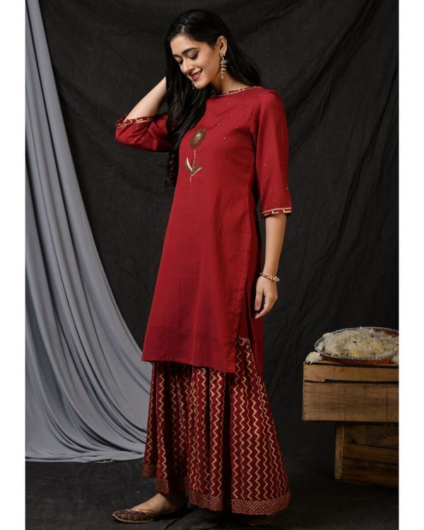 Maroon floral embroidered sushi voile kurta 2