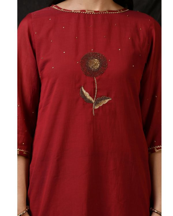 Maroon floral embroidered sushi voile kurta 1