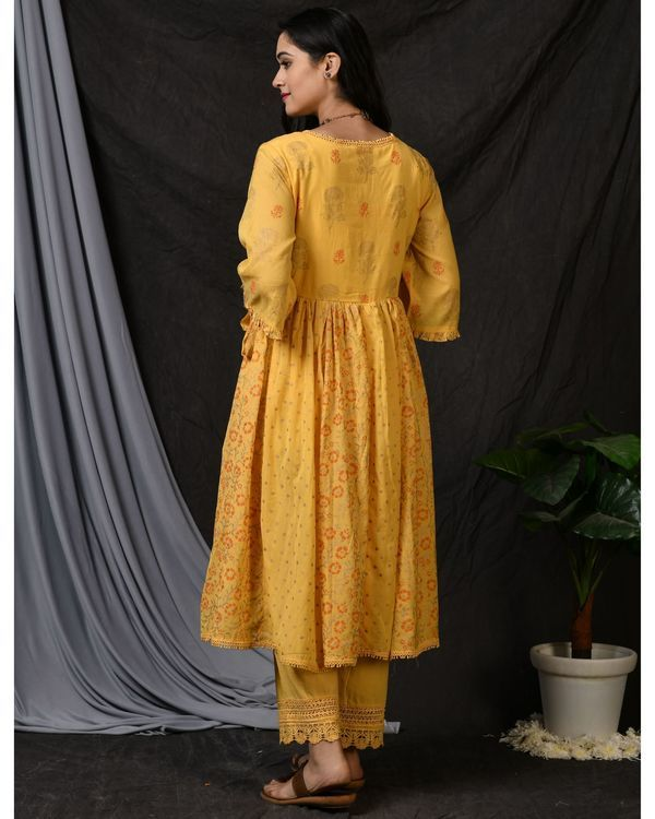 Yellow cotton pants with lace detailing 1