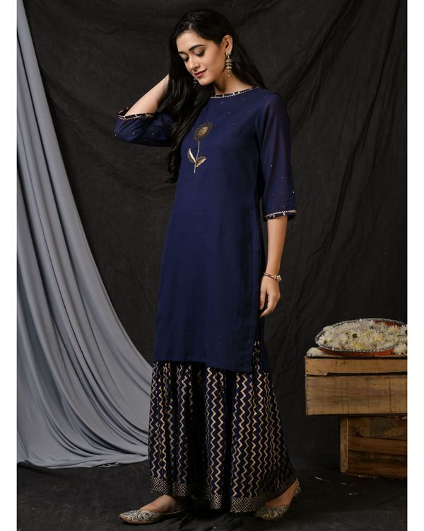 Blue floral embroidered sushi voile kurta 2