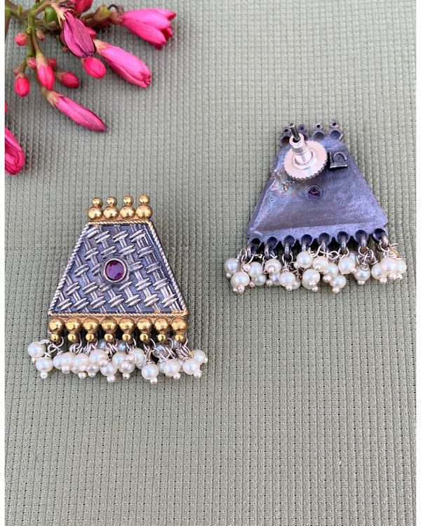 Pink stone trapezoid shaped beaded earring 1