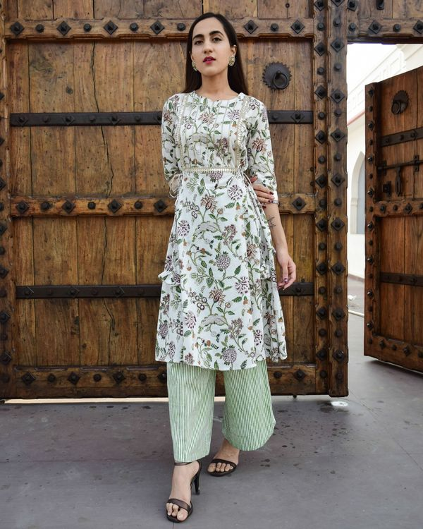 Aaina side tie up kurta with asymmetric pants - set of two 2