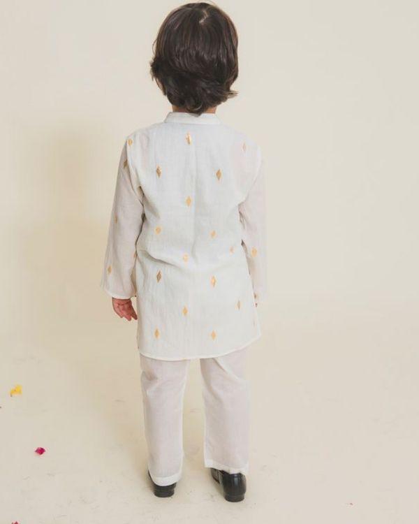 White printed full sleeves kurta 2