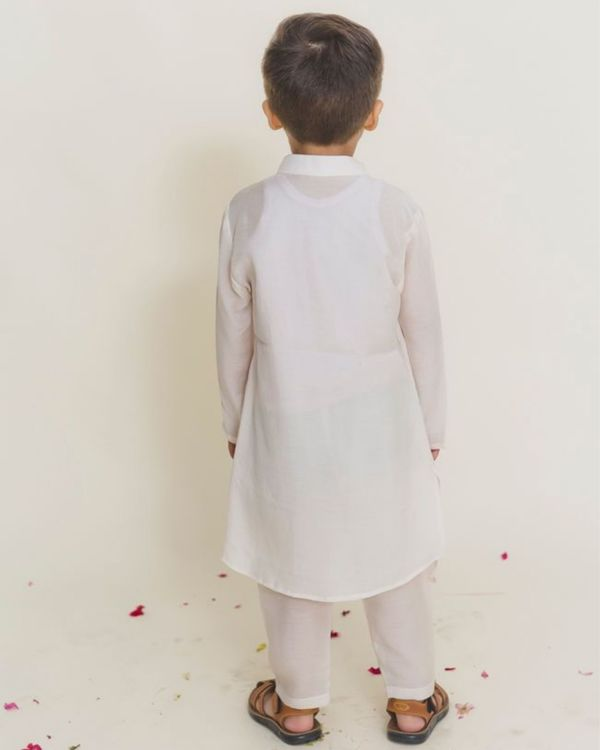 White balloon kurta with pants - Set of Two 2