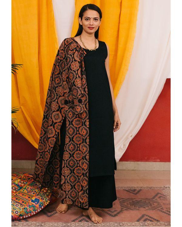 Black kurta set with ajrakh jacket - set of 3 2
