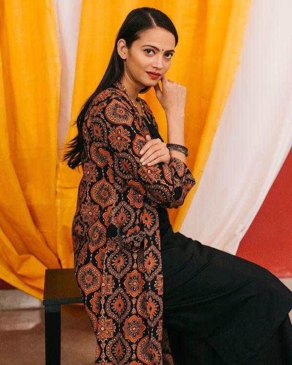 Black kurta set with ajrakh jacket - set of 3 1