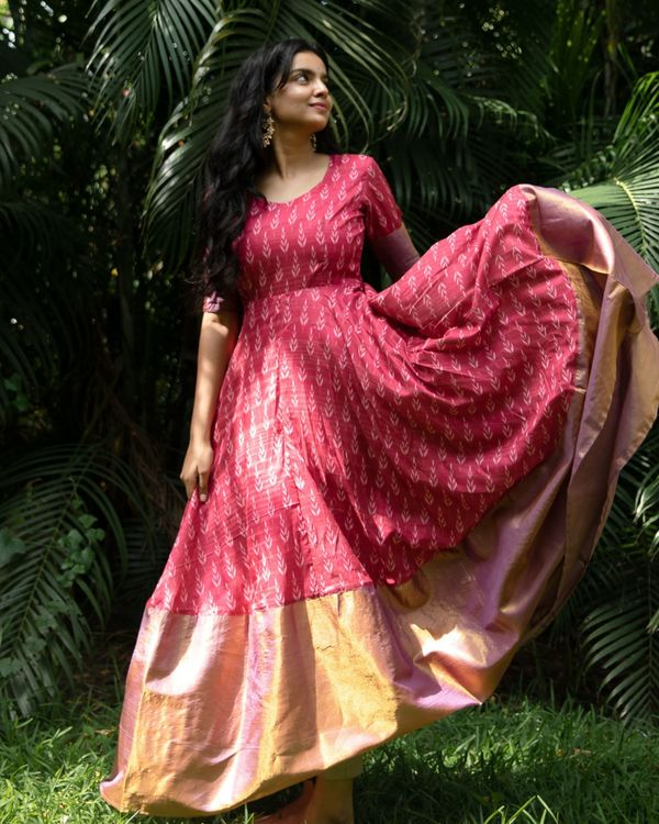 Pink ikat flared dress with silk border 2