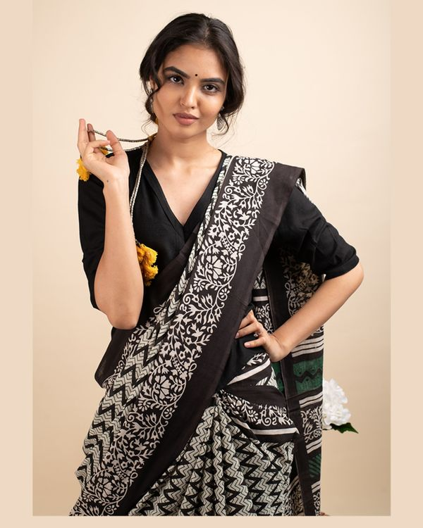 Black zigzag sari with attached blouse piece 1
