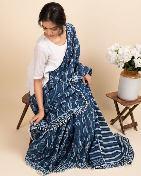 Indigo skies sari with attached blouse piece 3