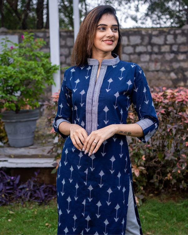 Navy arrow kurta 1