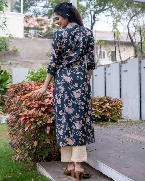Black floral kurta with pants - set of two 3