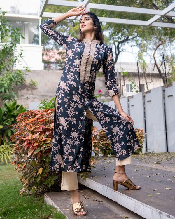 Black floral kurta with pants - set of two 2