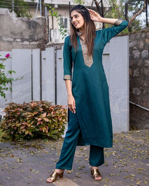 Teal green kurta set - set of two 2