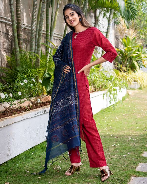 Red suit set with dupatta - set of three 3