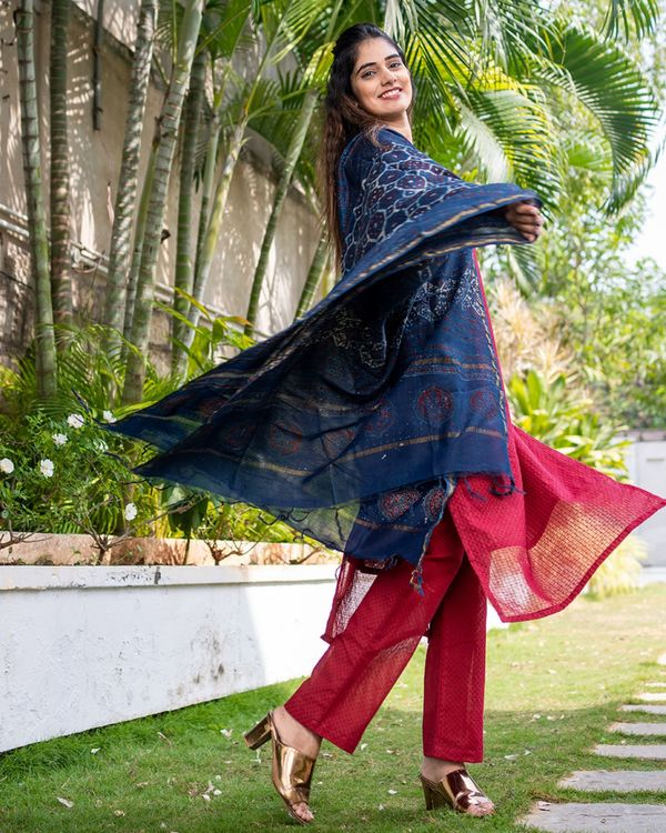 Red suit set with dupatta - set of three 2