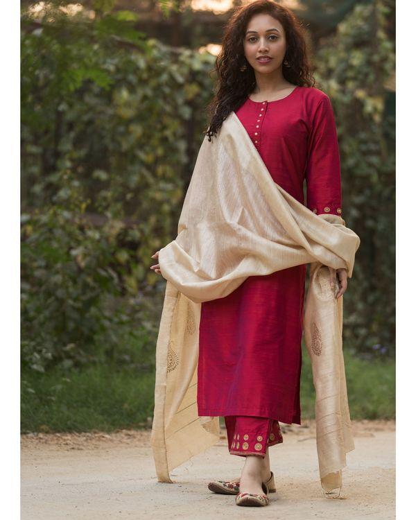 Magenta cotton silk suit set with beige moga silk dupatta - set of three 1
