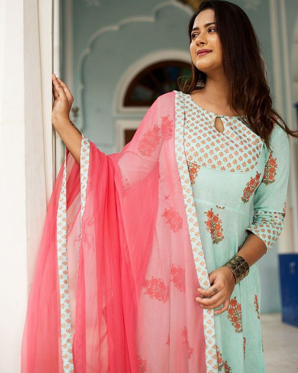 Pastel blue mughal dress set with dupatta - set of three 1