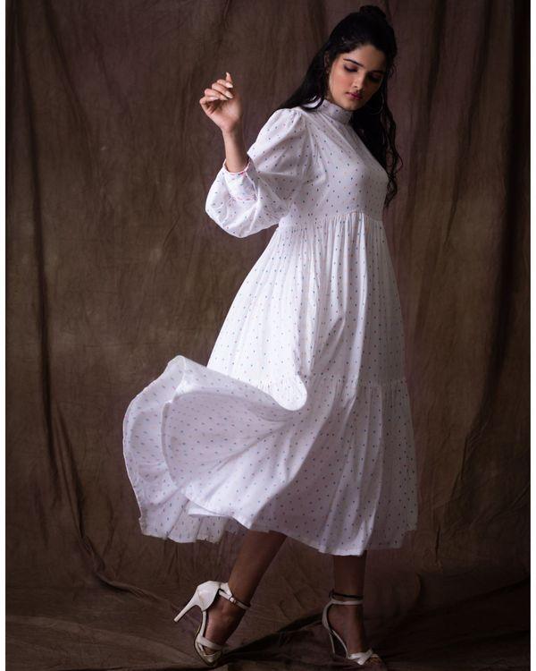 White balloon dress 2
