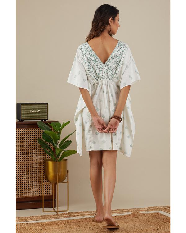 Leafy green kaftan dress 3