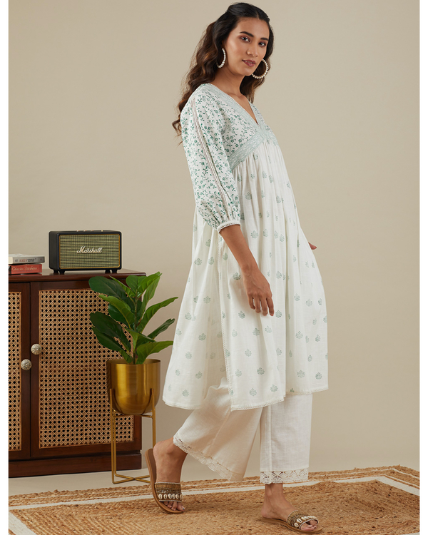 Leafy green v neck kurta with pants - set of two 2