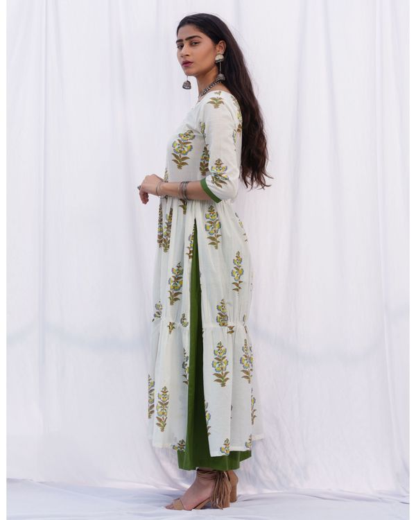 Tiered gathered suit set with dupatta - set of three 2