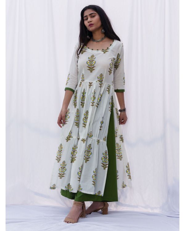 Tiered gathered suit set with dupatta - set of three 1