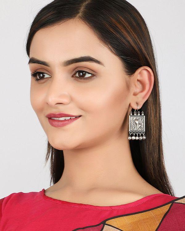 Bud and tulip earrings 1