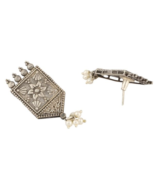 Antique floral engraved choker with earrings - set of two 2
