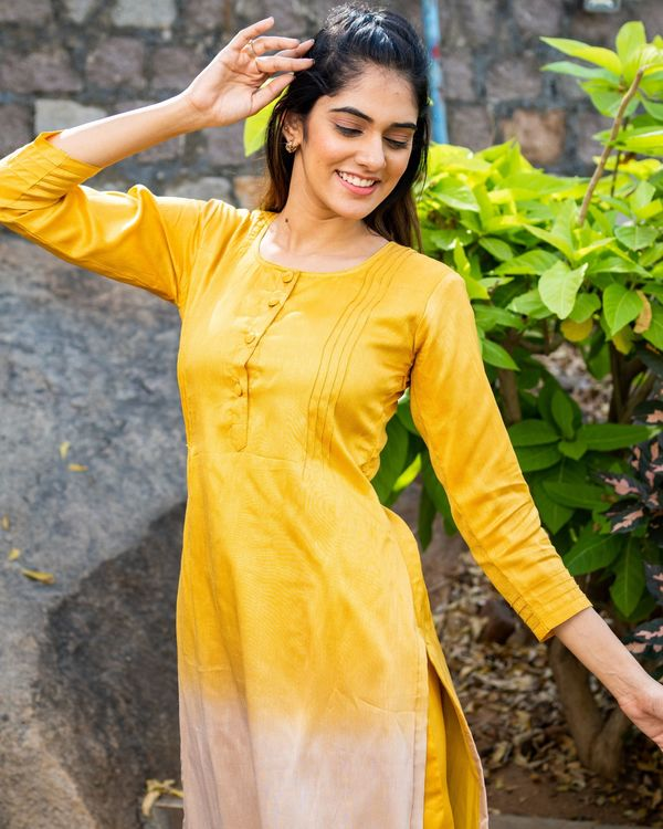 Ombre kurta set with pin tuck detailing - set of two 3