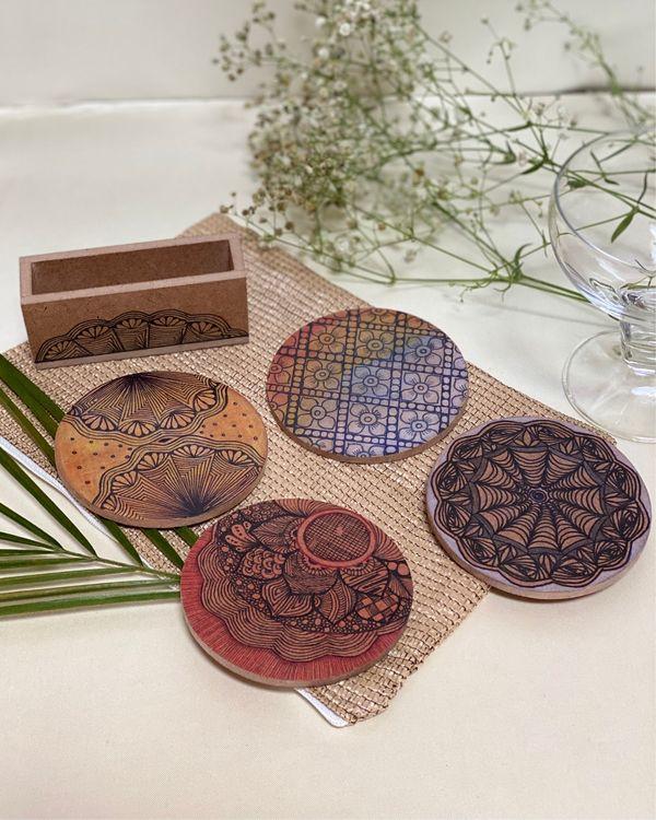 Round wooden coasters 1