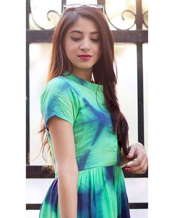 Green tie and dye dress 1